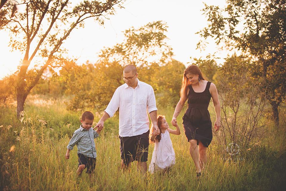 Silva.Family.2016.159